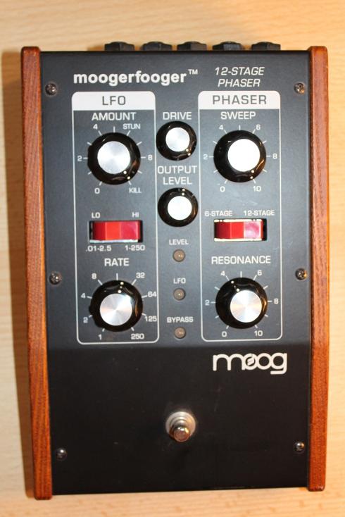 MOOG Moogerfooger 12-Step Phaser