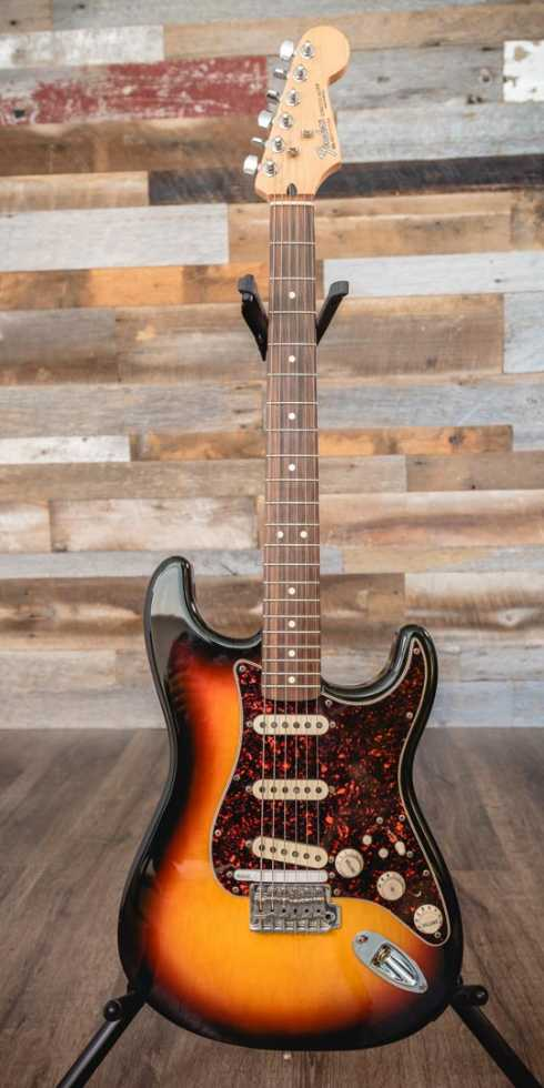 FENDER Stratocaster (Roland-ready)