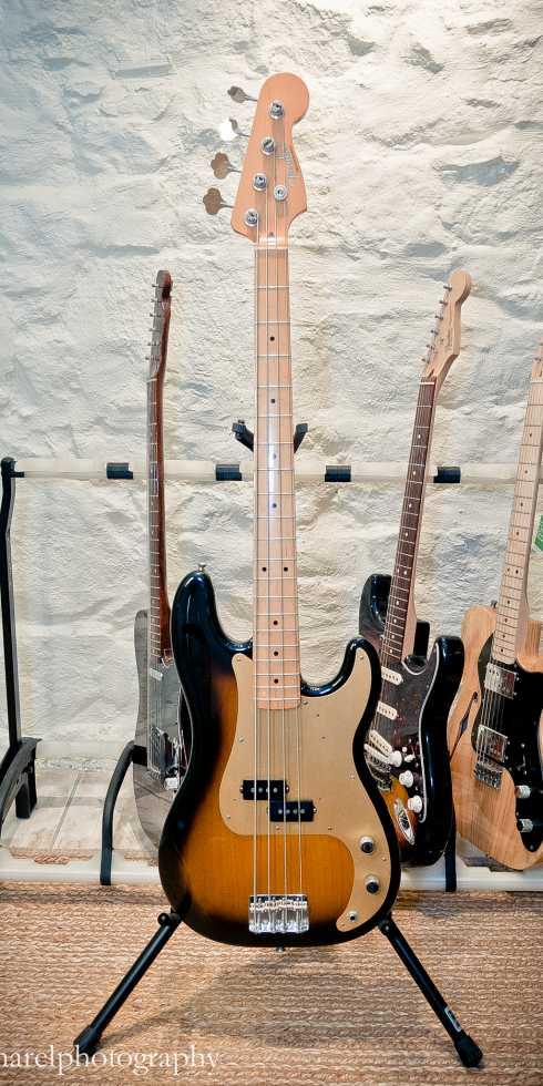 FENDER P-Bass 50s RI