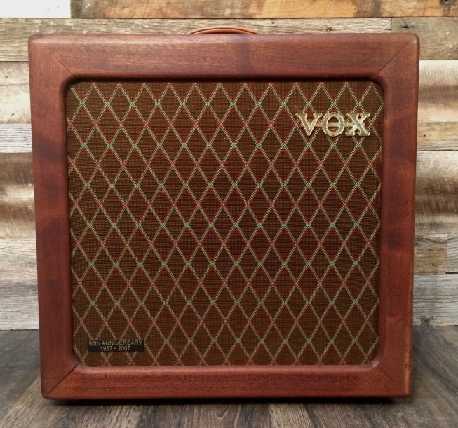 VOX AC-15 (Handwired Mahogany Limited Edition)